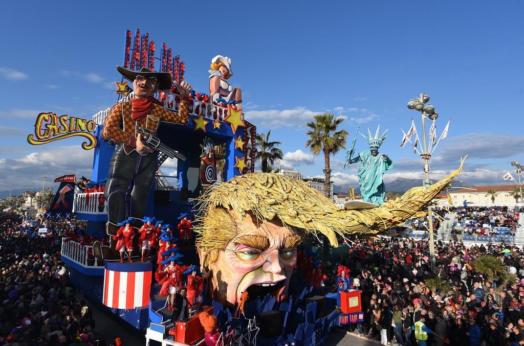 Name:  Viareggio+Carnival+Parade+bpqxywojwyAx.jpg Views: 207 Size:  235.7 KB