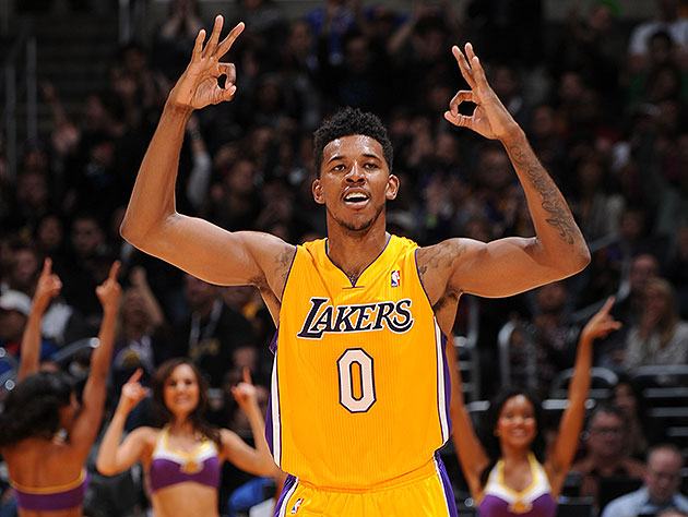Name:  Swaggy-P-fleshes-out-his-character-for-prospective-impersonators.-Andrew-D.-Bernstein-NBAE-Getty.jpg Views: 170 Size:  72.5 KB
